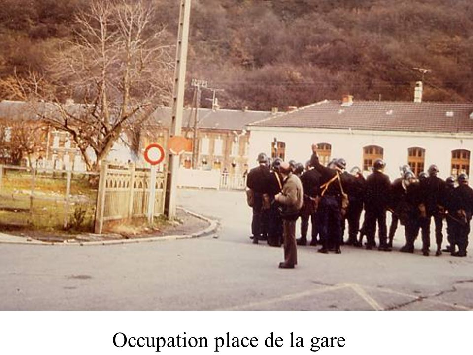 Occupation place de la gare