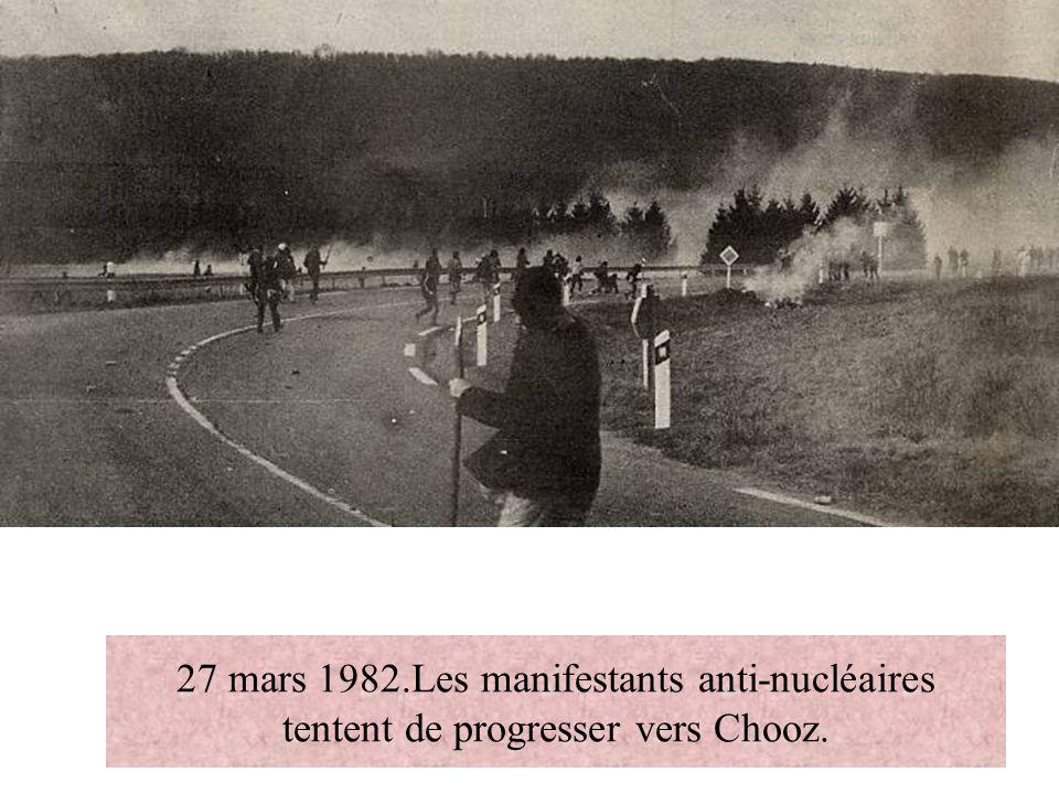 27 mars 1982.Les manifestants anti-nucléaires tentent de progresser vers Chooz.