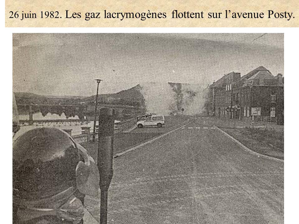 26 juin 1982. Les gaz lacrymogènes flottent sur l'avenue Posty.