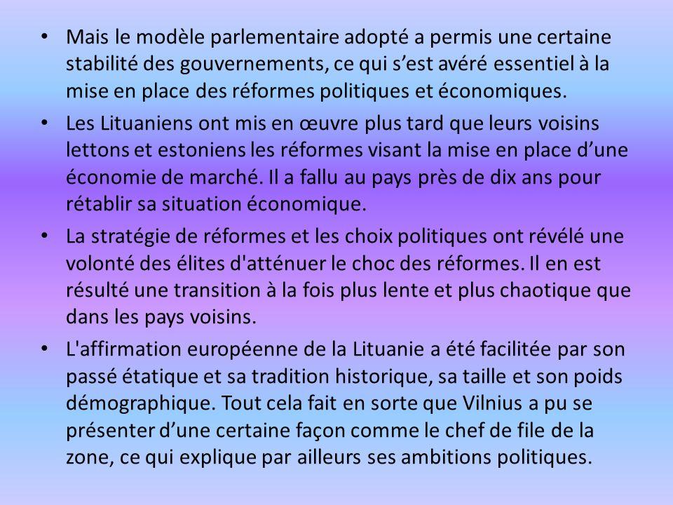 Mais le modèle parlementaire adopté a permis une certaine stabilité des gouvernements, ce qui s'est avéré essentiel à la mise en place des réformes politiques et économiques.