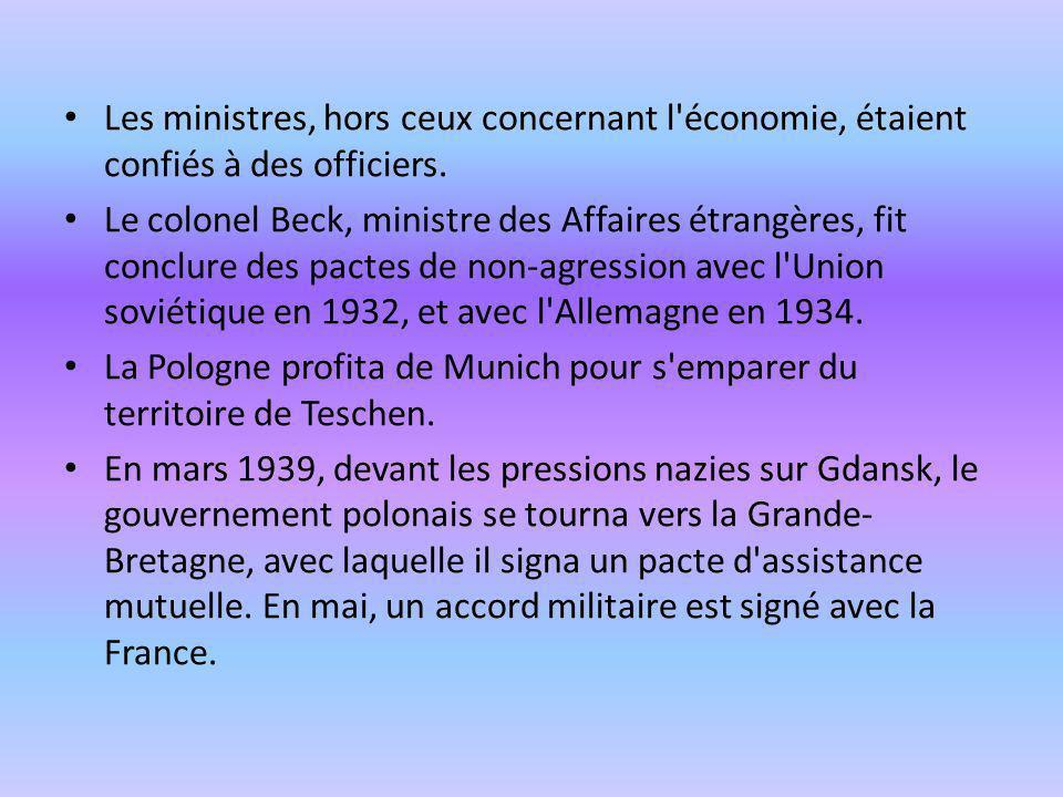 Les ministres, hors ceux concernant l économie, étaient confiés à des officiers.