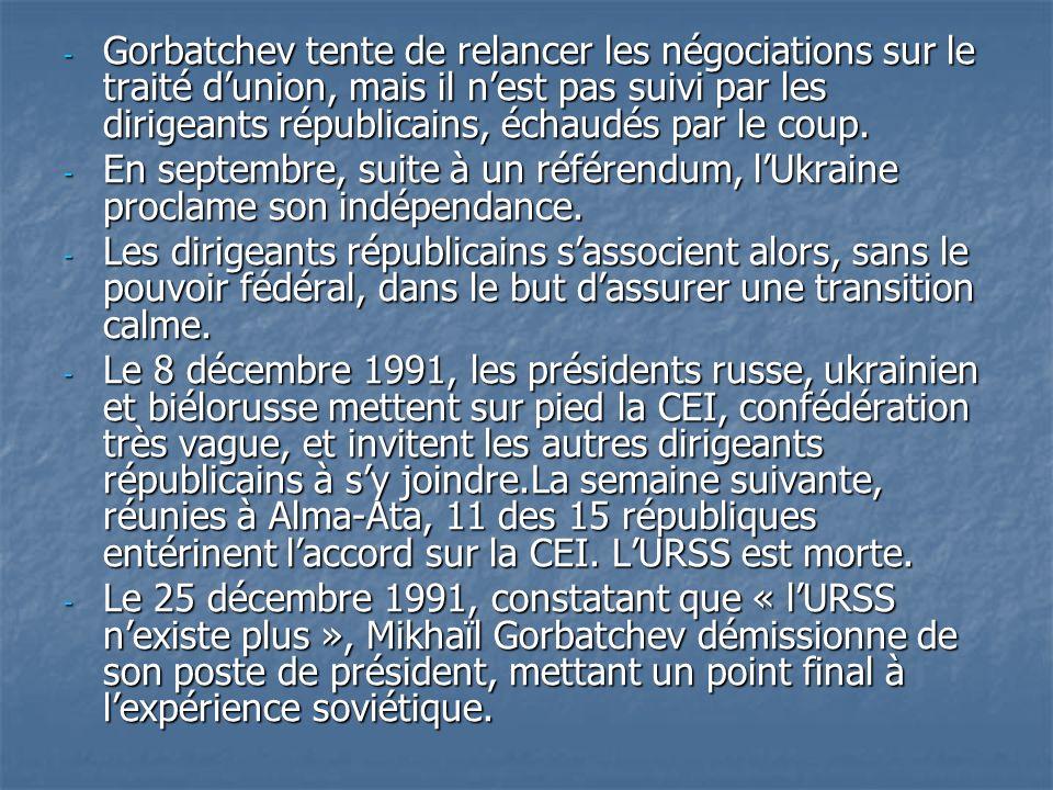 Gorbatchev tente de relancer les négociations sur le traité d'union, mais il n'est pas suivi par les dirigeants républicains, échaudés par le coup.
