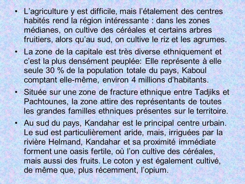 L'agriculture y est difficile, mais l'étalement des centres habités rend la région intéressante : dans les zones médianes, on cultive des céréales et certains arbres fruitiers, alors qu'au sud, on cultive le riz et les agrumes.