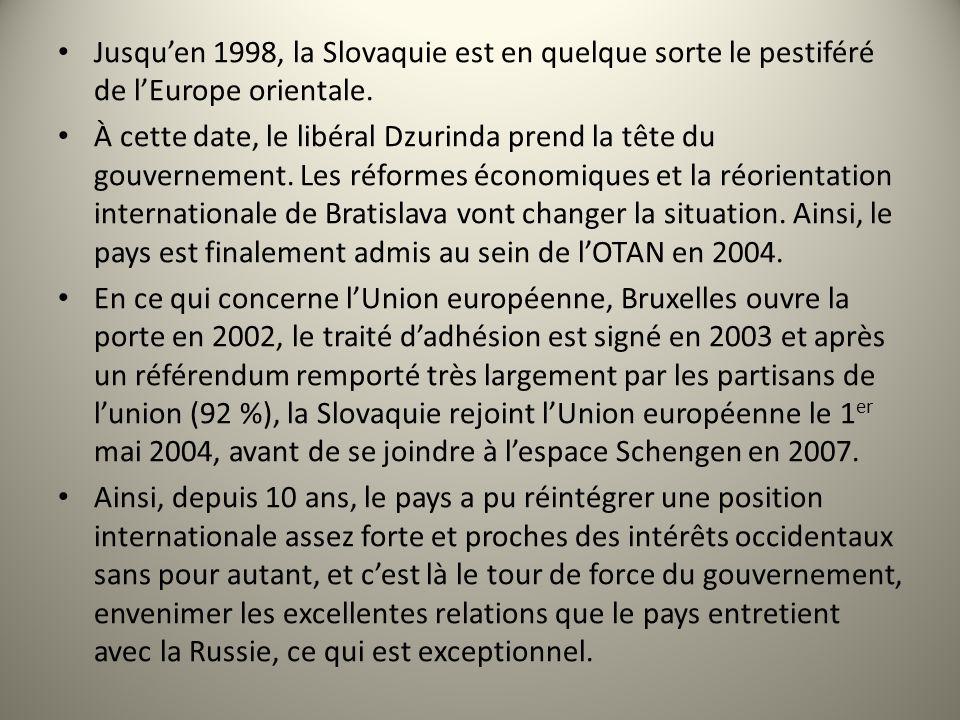 Jusqu'en 1998, la Slovaquie est en quelque sorte le pestiféré de l'Europe orientale.