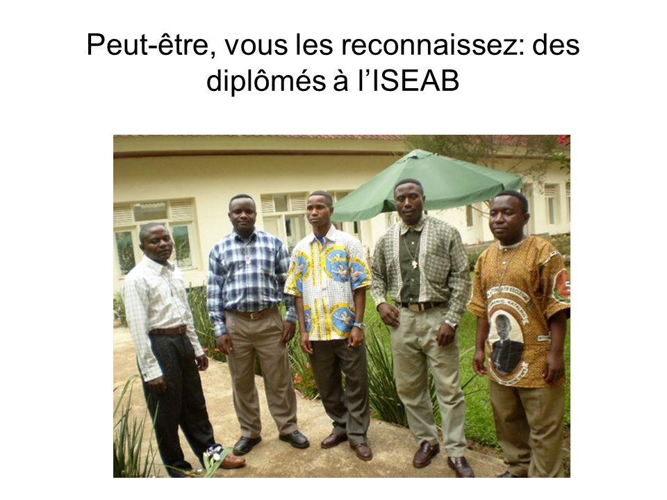 Peut-être, vous les reconnaissez: des diplômés à l'ISEAB