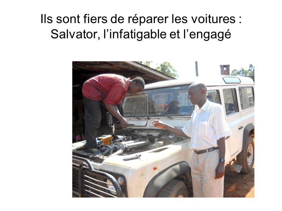 Ils sont fiers de réparer les voitures : Salvator, l'infatigable et l'engagé