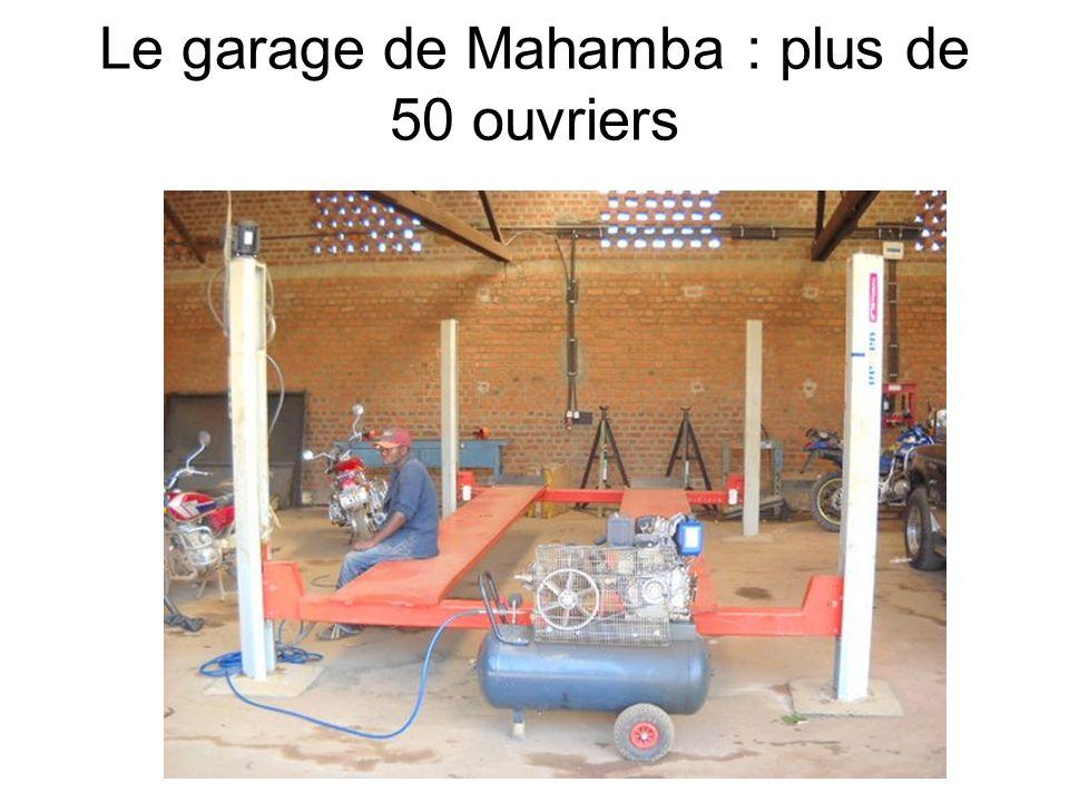 Le garage de Mahamba : plus de 50 ouvriers