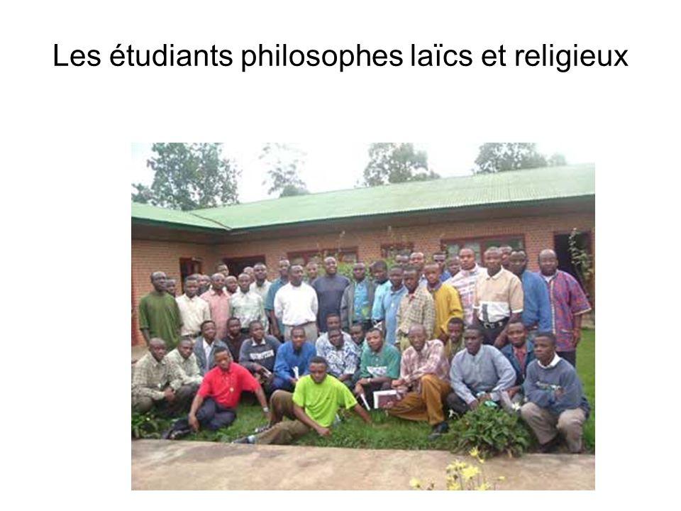 Les étudiants philosophes laïcs et religieux