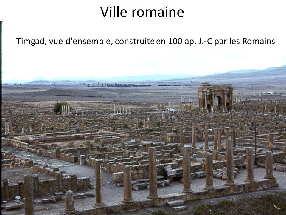 Ville romaine Timgad, vue d ensemble, construite en 100 ap. J.-C par les Romains