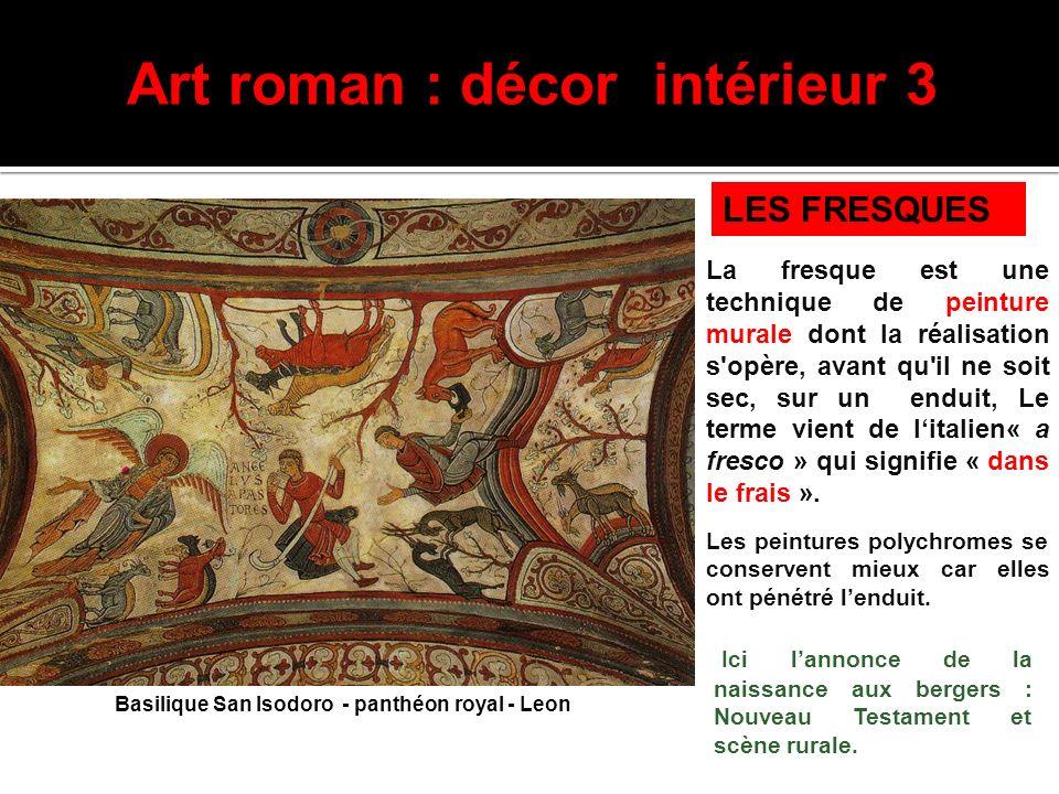 Art roman : décor intérieur 3