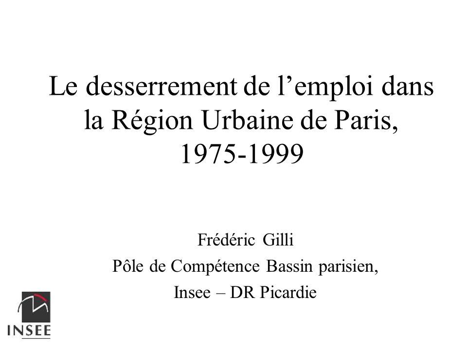 Le desserrement de l'emploi dans la Région Urbaine de Paris, 1975-1999
