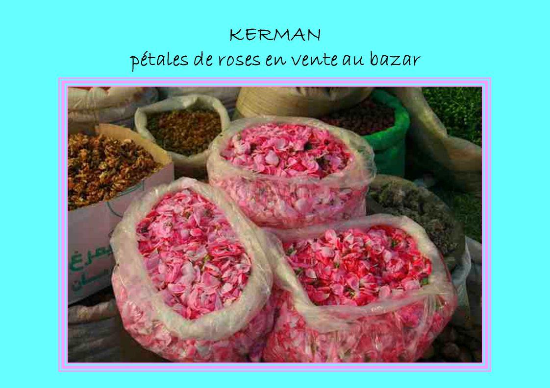 KERMAN pétales de roses en vente au bazar