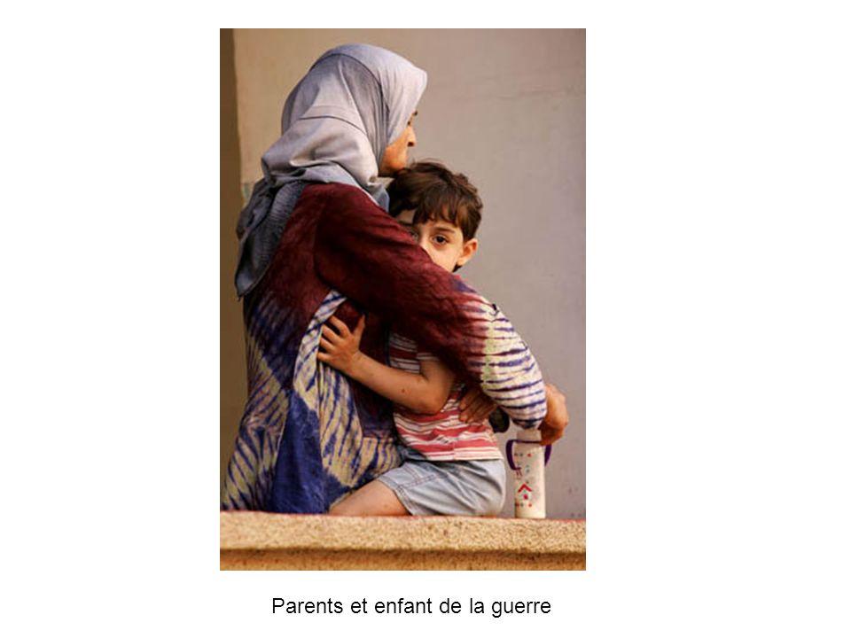 Parents et enfant de la guerre