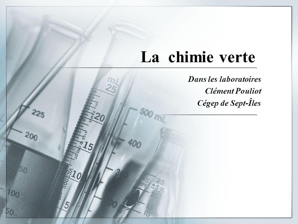 Dans les laboratoires Clément Pouliot Cégep de Sept-Îles