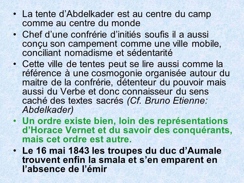 La tente d'Abdelkader est au centre du camp comme au centre du monde