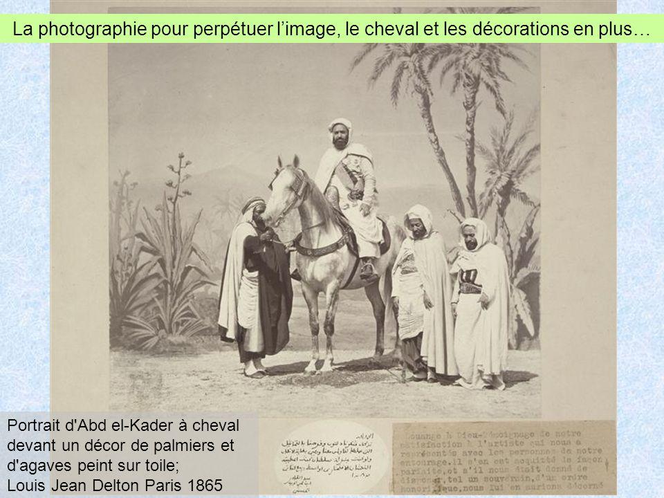 La photographie pour perpétuer l'image, le cheval et les décorations en plus…