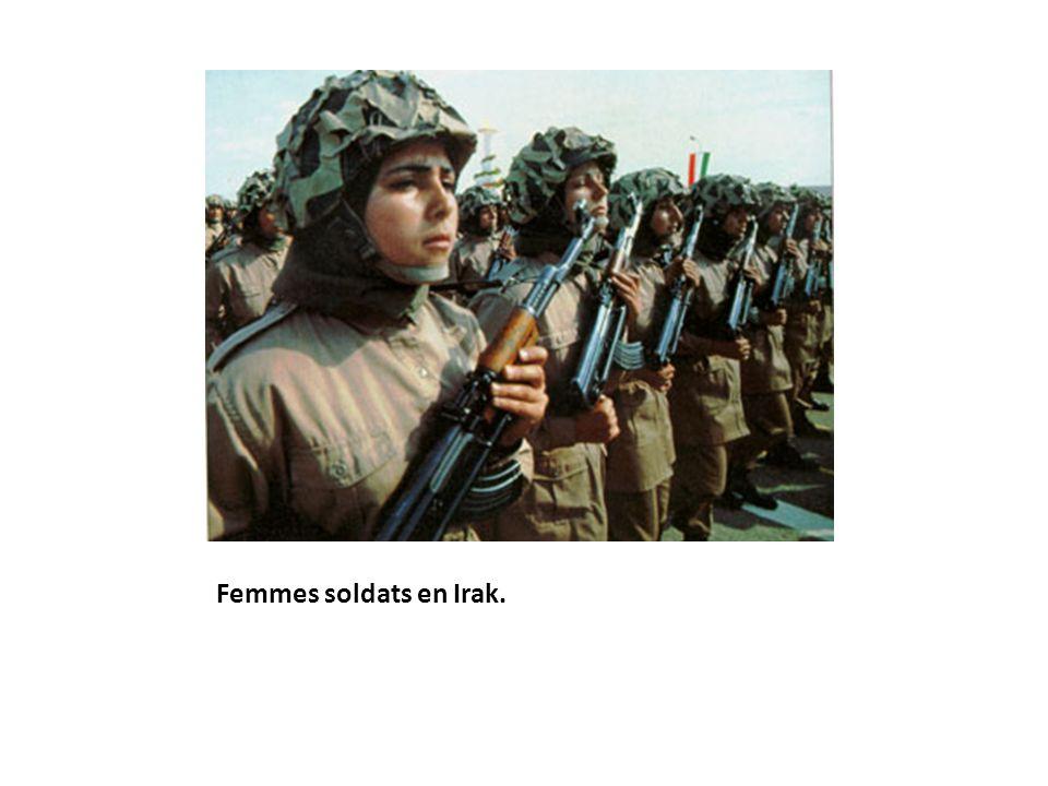 Femmes soldats en Irak.