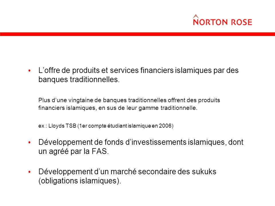 L'offre de produits et services financiers islamiques par des banques traditionnelles.