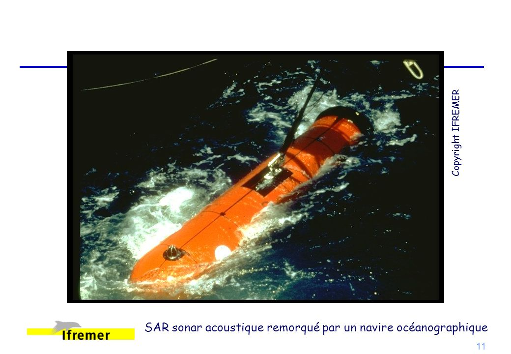 SAR sonar acoustique remorqué par un navire océanographique