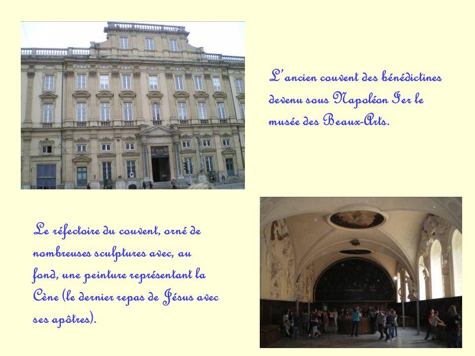 L'ancien couvent des bénédictines devenu sous Napoléon Ier le musée des Beaux-Arts.