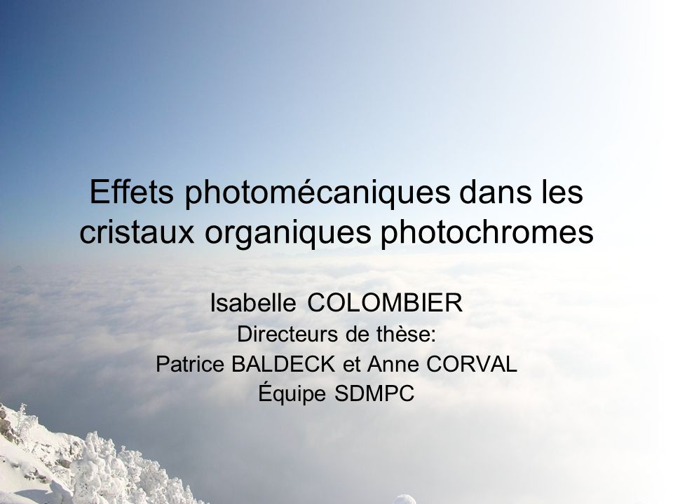Effets photomécaniques dans les cristaux organiques photochromes