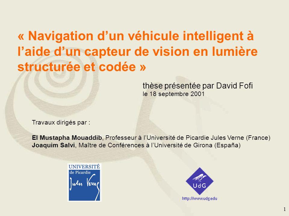 « Navigation d'un véhicule intelligent à l'aide d'un capteur de vision en lumière structurée et codée »