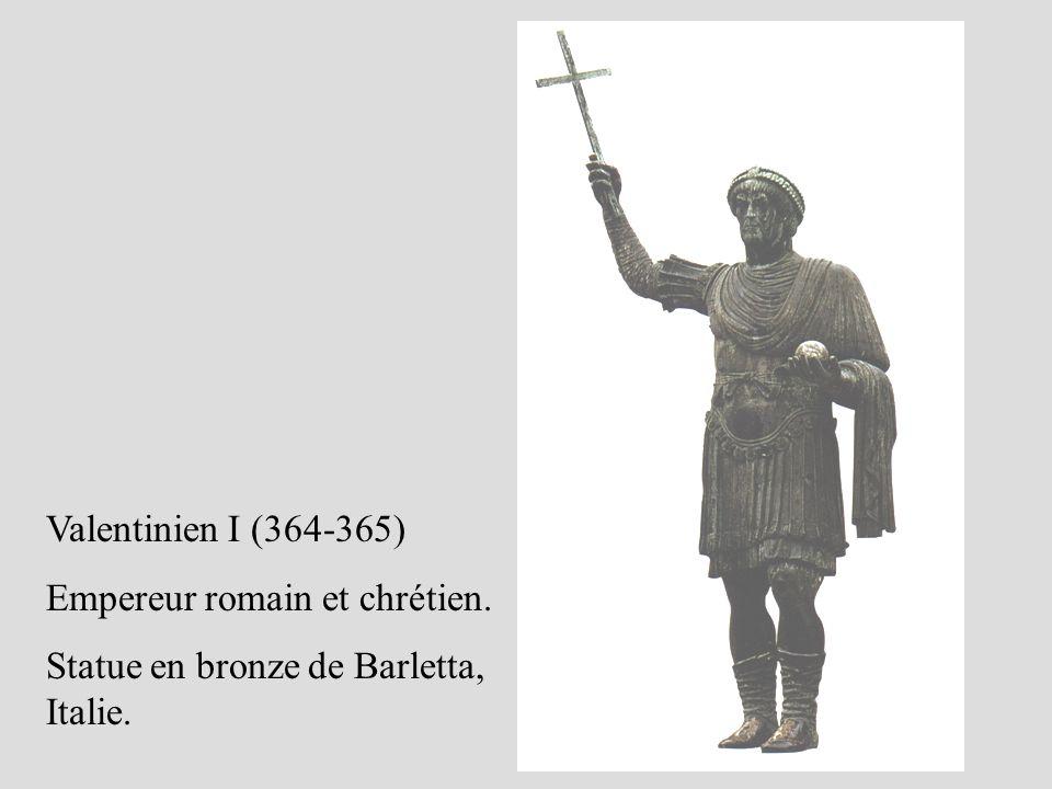 Valentinien I (364-365) Empereur romain et chrétien. Statue en bronze de Barletta, Italie.