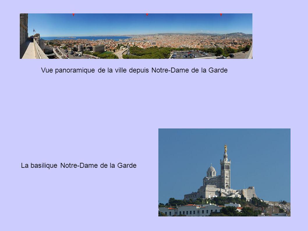Vue panoramique de la ville depuis Notre-Dame de la Garde