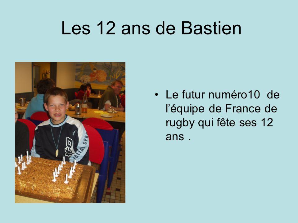 Les 12 ans de Bastien Le futur numéro10 de l'équipe de France de rugby qui fête ses 12 ans .