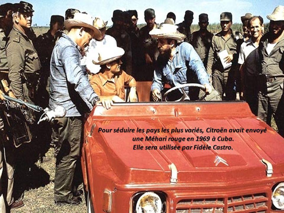 une Méhari rouge en 1969 à Cuba. Elle sera utilisée par Fidèle Castro.