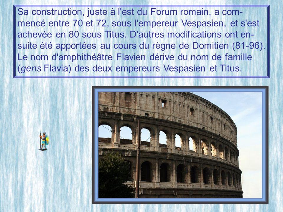 Sa construction, juste à l est du Forum romain, a com-