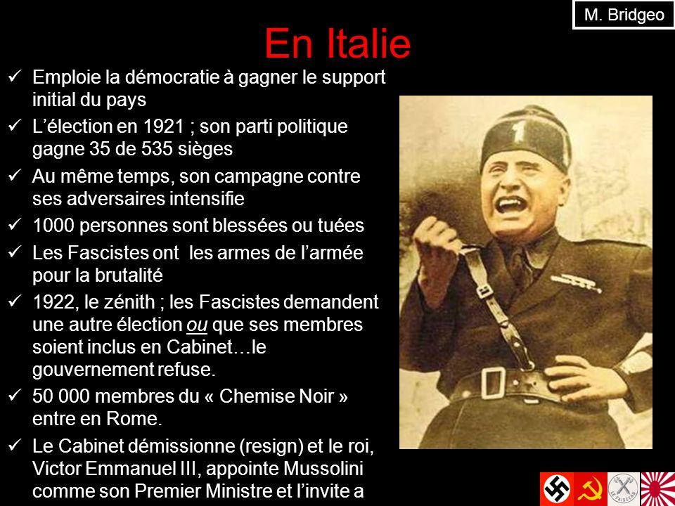 En Italie Emploie la démocratie à gagner le support initial du pays