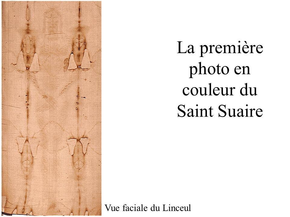 La première photo en couleur du Saint Suaire