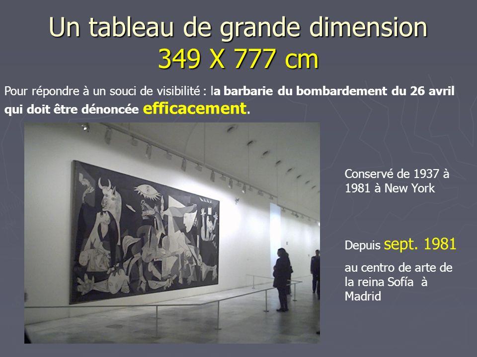 Un tableau de grande dimension 349 X 777 cm
