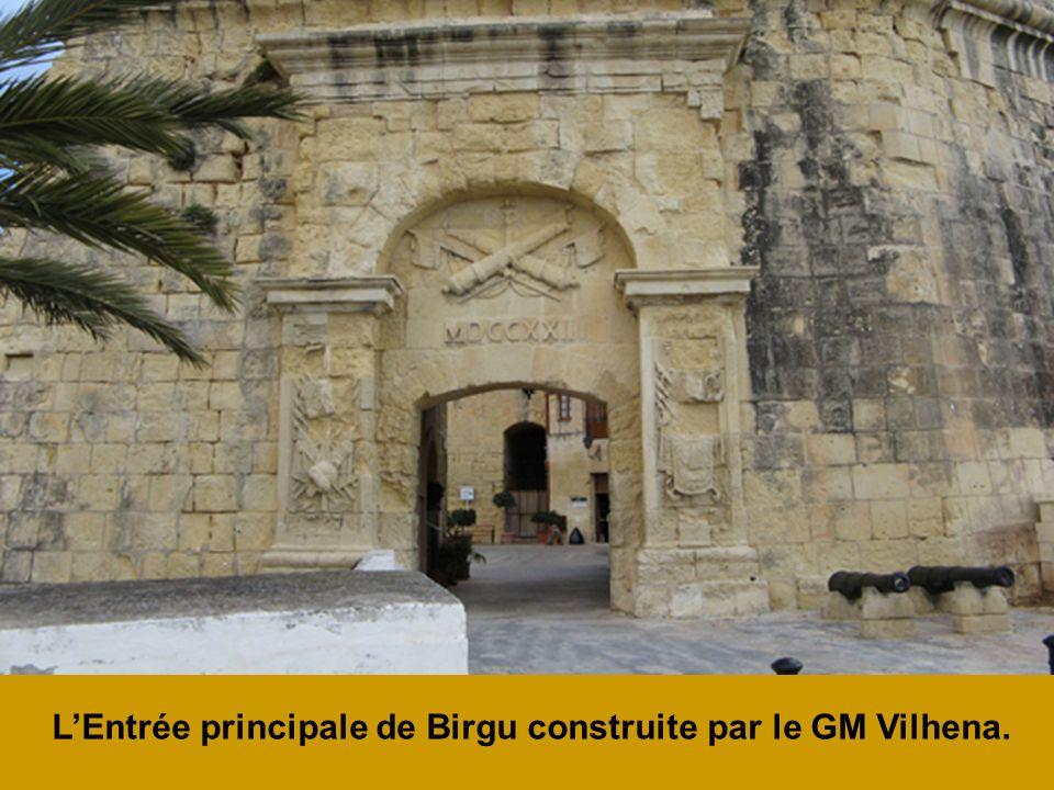 L'Entrée principale de Birgu construite par le GM Vilhena.