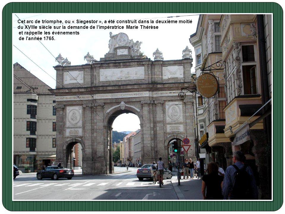 Cet arc de triomphe, ou « Siegestor », a été construit dans la deuxième moitié
