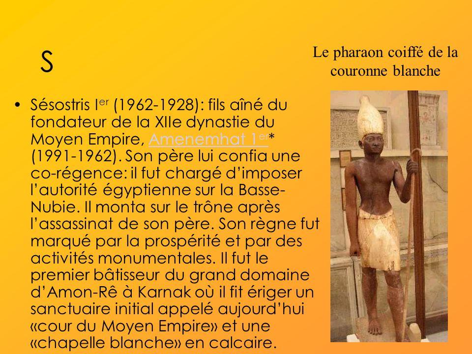 Le pharaon coiffé de la couronne blanche