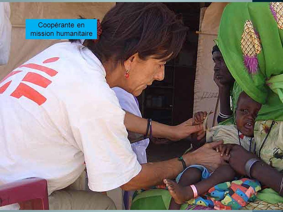 Coopérante en mission humanitaire