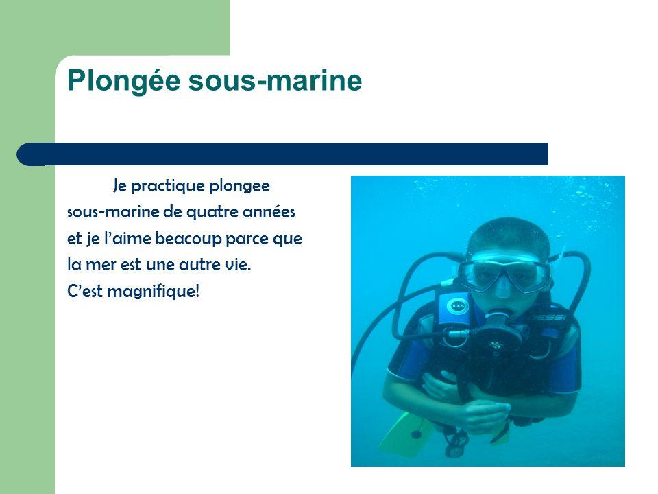 Plongée sous-marine Je practique plongee sous-marine de quatre années