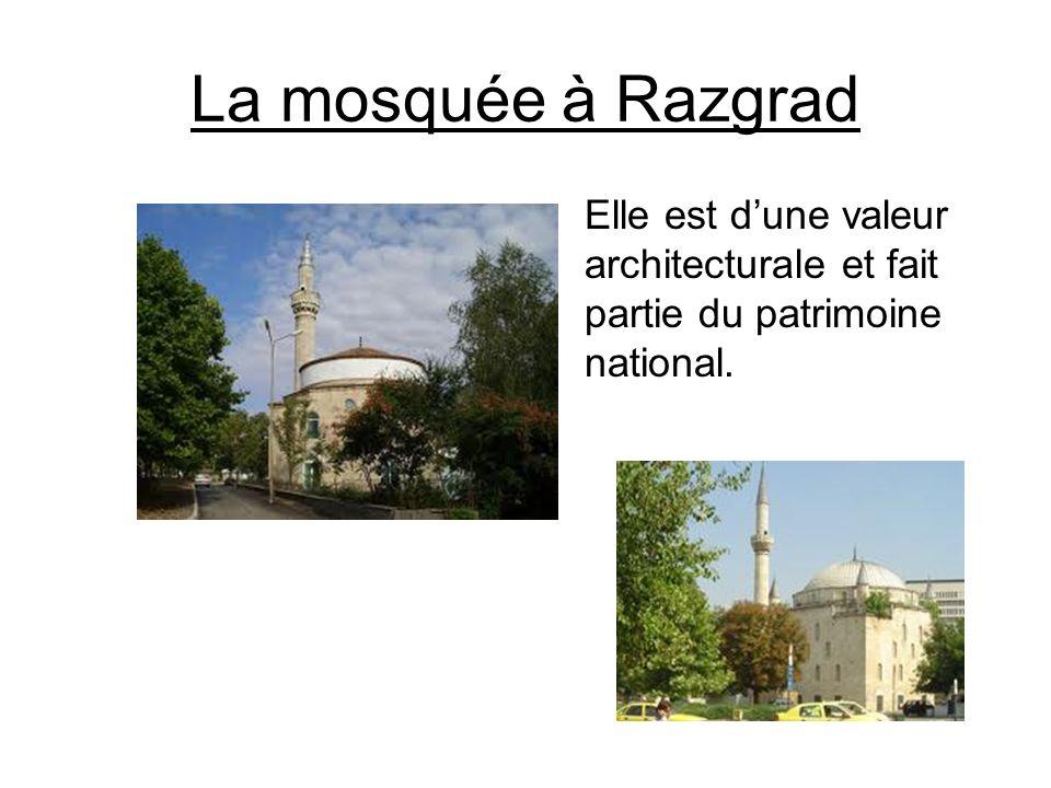 La mosquée à Razgrad Elle est d'une valeur architecturale et fait partie du patrimoine national.