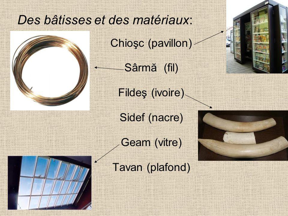 Des bâtisses et des matériaux: