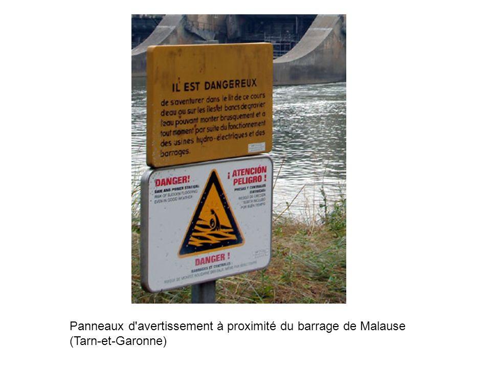 Panneaux d avertissement à proximité du barrage de Malause (Tarn-et-Garonne)