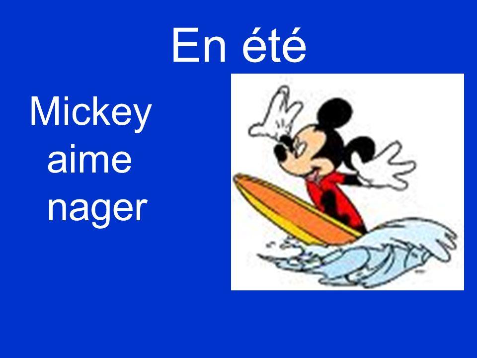 En été Mickey aime nager