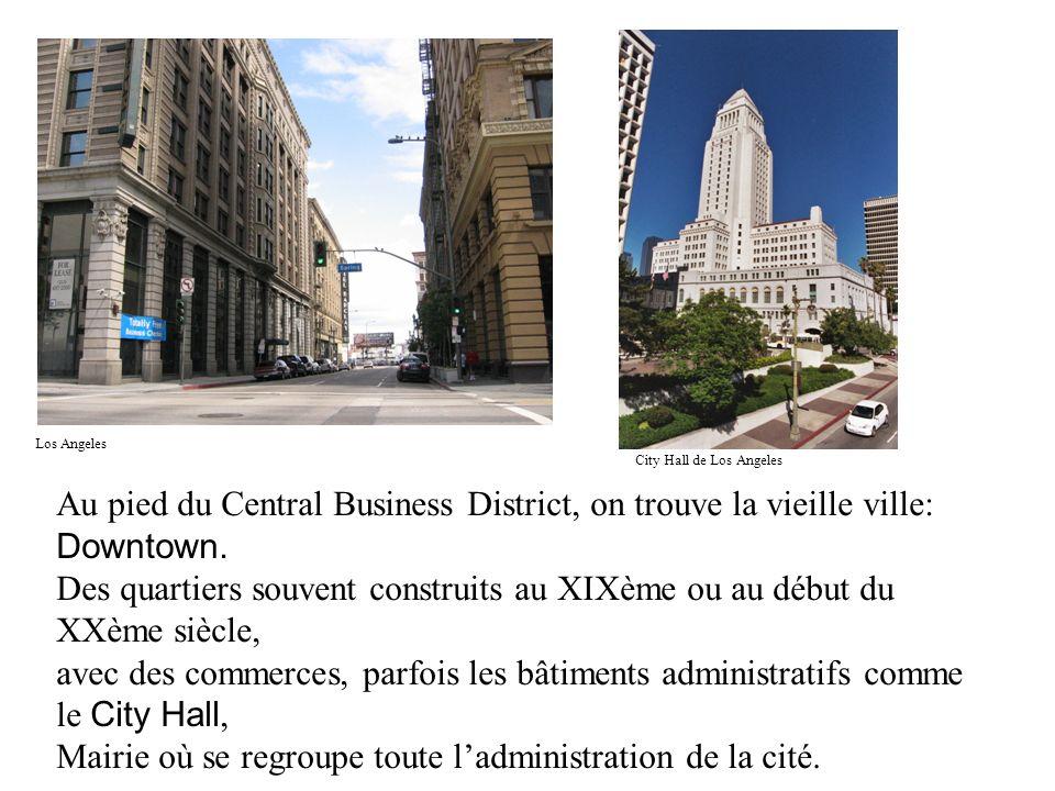 Mairie où se regroupe toute l'administration de la cité.