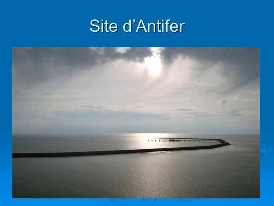 Site d'Antifer Au départ terminal méthanier refusé par la municipalité.