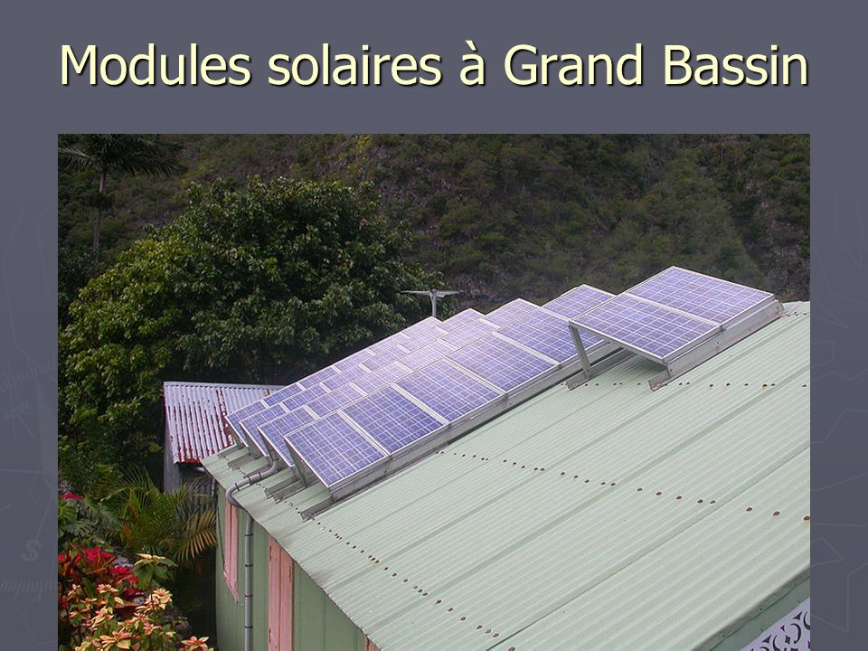 Modules solaires à Grand Bassin