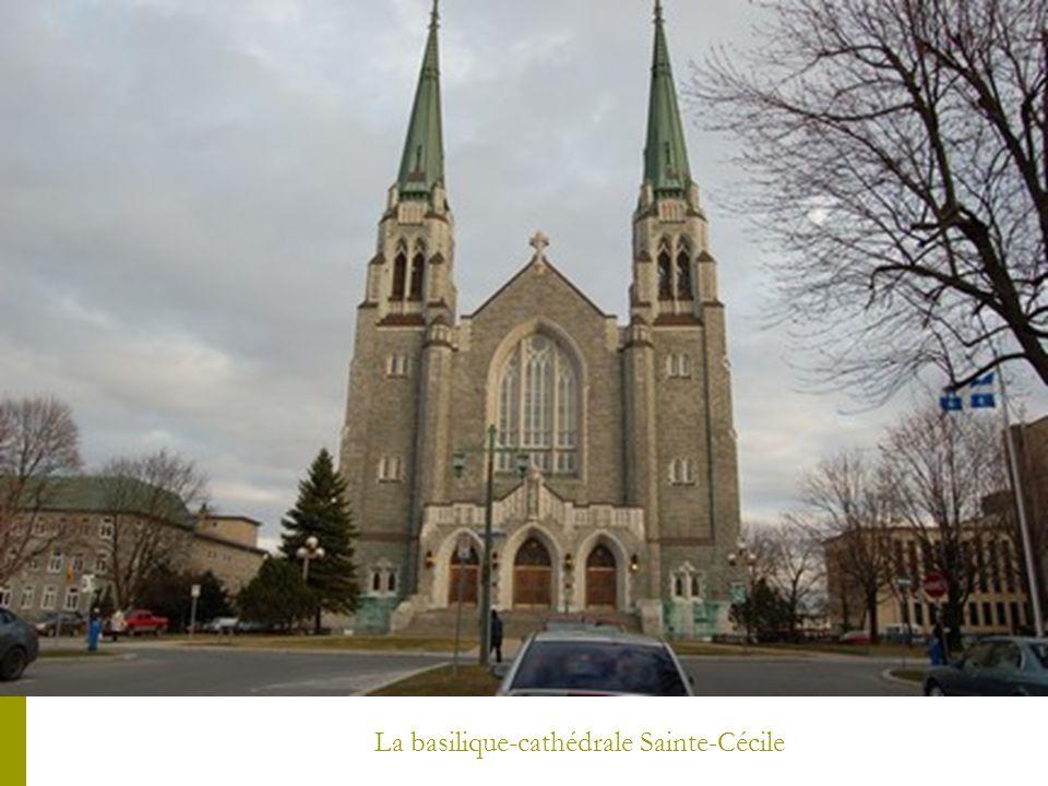 La basilique-cathédrale Sainte-Cécile
