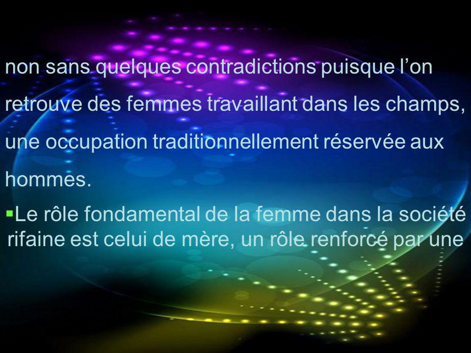non sans quelques contradictions puisque l'on retrouve des femmes travaillant dans les champs, une occupation traditionnellement réservée aux hommes.