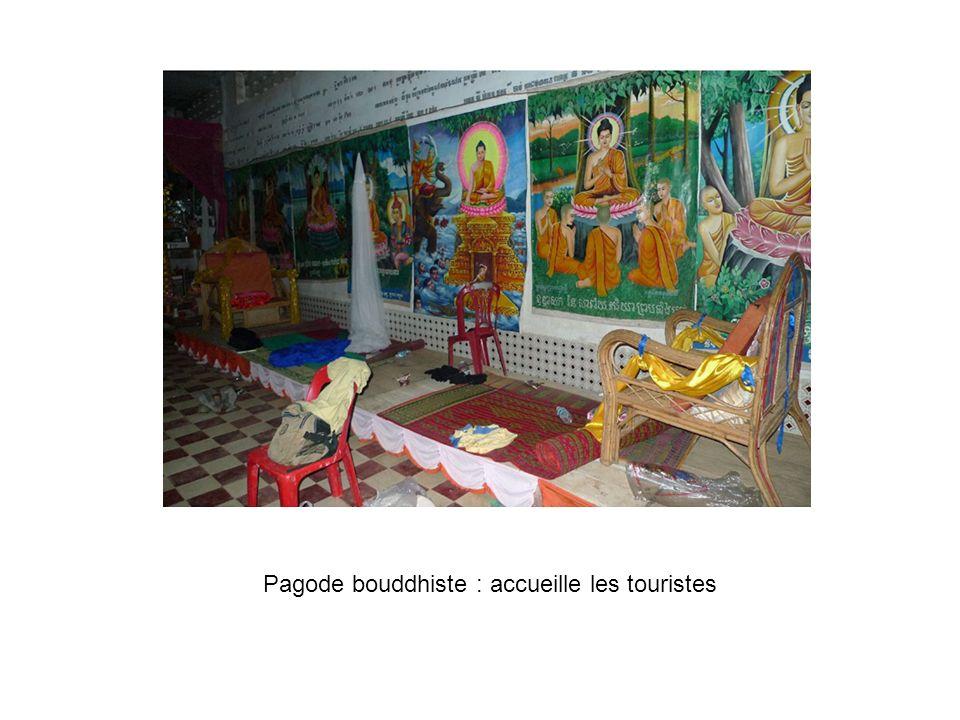 Pagode bouddhiste : accueille les touristes