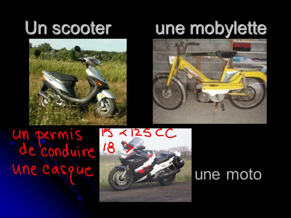 Un scooter une mobylette